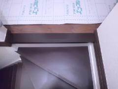 尼崎市 階段上段框の塗装