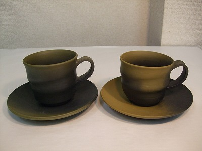 三代目 白山作 コーヒー碗皿(黄泥窯変,・緑泥窯変)