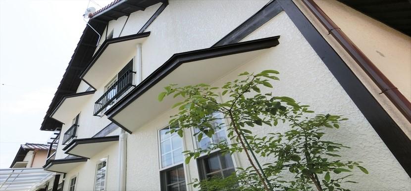 外壁塗装/ペンキ塗り替え/ひさし/上げ下げ窓/外壁リフォーム