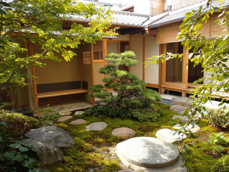 O料亭の日本庭園
