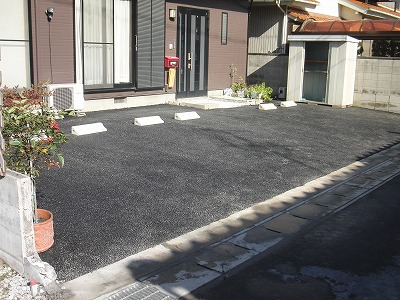 お庭の改修工事 舗装完了
