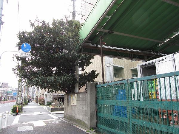 東京都大田区大森でビワの木を伐採!