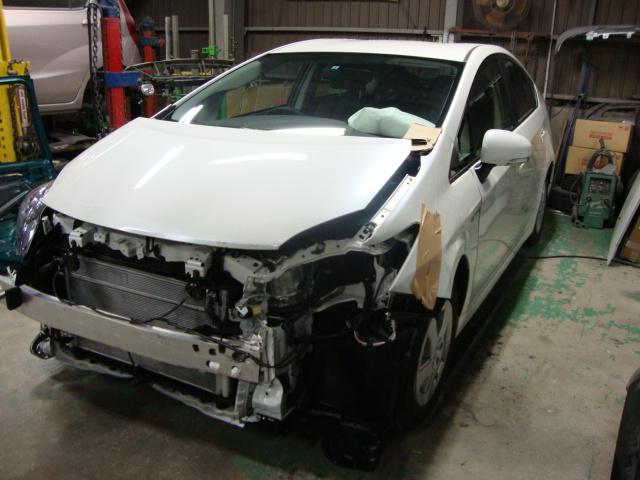 プリウス 事故修理
