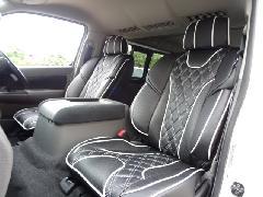 フロント用NV350キャラバン IFUU高級欧州車デザイン3D成形バケットシートカバー ブラック×ホワイト
