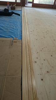 敷居の加工と施工