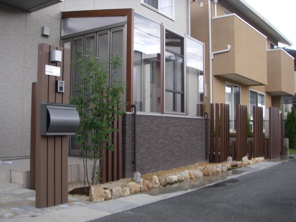 ガーデンルーム ココマ腰壁タイプ 枕木 新築外構 庭