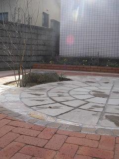 タイル レンガ 石 の庭