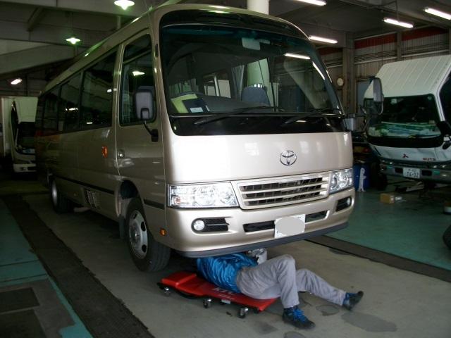 バスの整備の様子