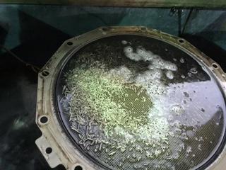 マフラー内の汚れが出てきます。