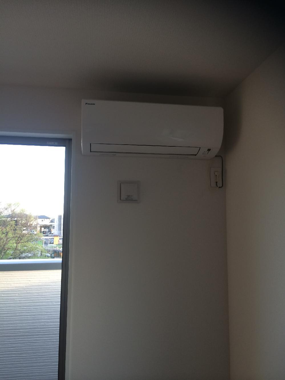 新築エアコン取り付け工事2