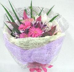 コンパクトな花束