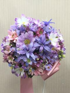 小花ばかりでまとめたブーケ