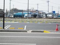 店舗・商業施設などの大規模な駐車場
