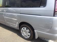 ホンダ車ステップワゴンのキズヘコミ板金塗装修理を京都で承りました。