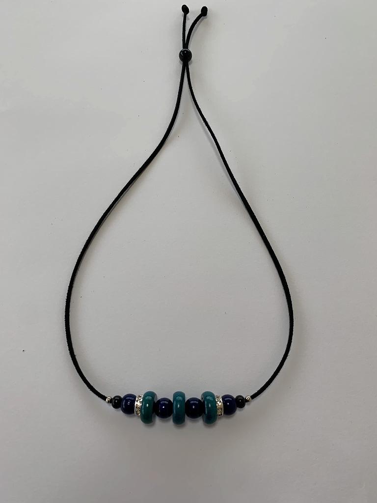 ウッドビーズ小のネックレス(ブルー×紺)