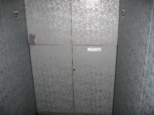 エレベーター内部及び扉 ダイノックシート工事