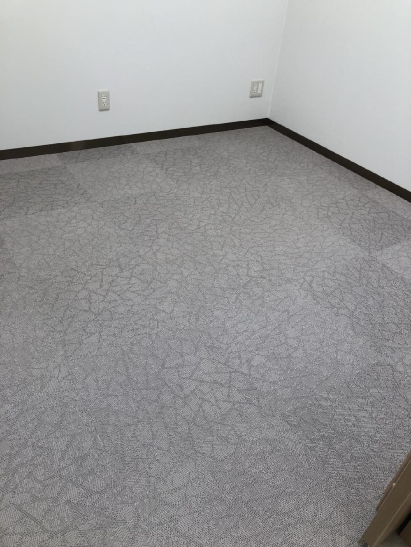 クリニックの床施工