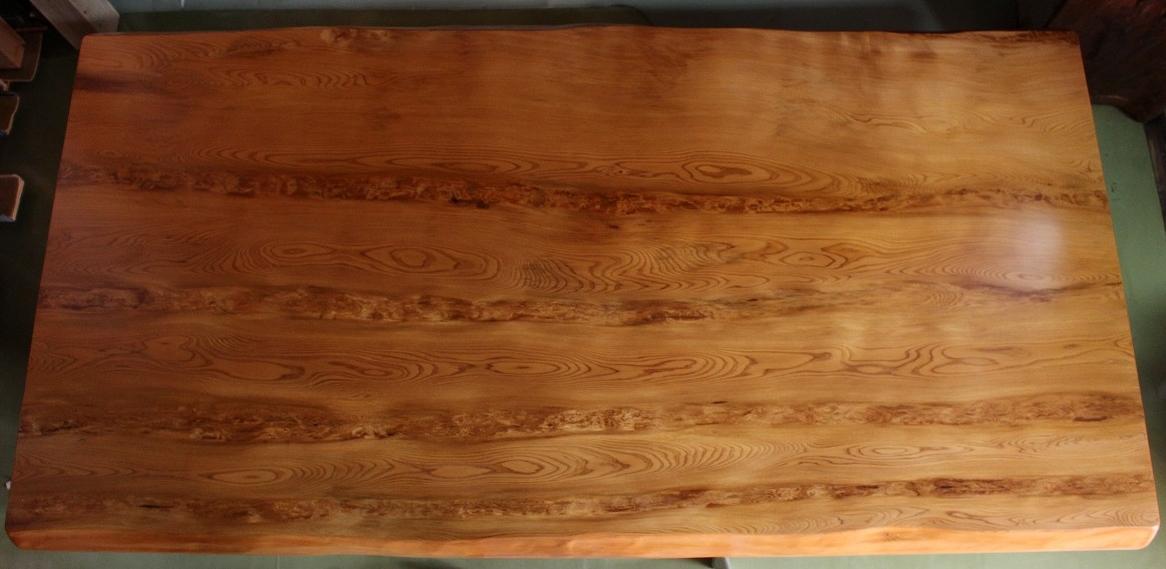 NO 54  屋久杉 テーブル  長さ180�×横幅95cm×天板の厚さ 7.5cm    (脚 付)