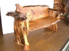 NO 70     屋久杉 自然木を使用した長椅子です。