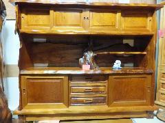 NO 292     屋久杉 飾り棚                                                                                                                                                                     樹齢数千年も生きてきた屋久杉の板を使用した、杢目の細かい飾り棚です。(小キズ有)