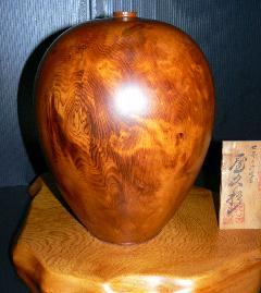 NO 87  屋久杉 壷 光明杢(キラキラ)                     木目が細かく油の強いきれいな品です.     (台別)      特別価 13万円