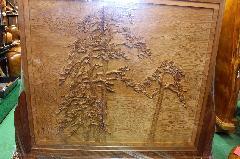 NO 727  屋久杉 衝立 松彫りと菊水の象嵌入り