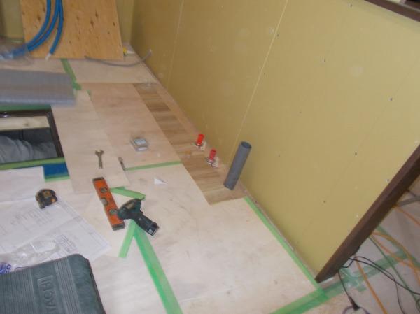 キッチンの 排水管 水道 給湯工事