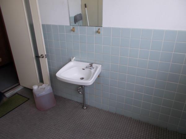 改装前手洗器