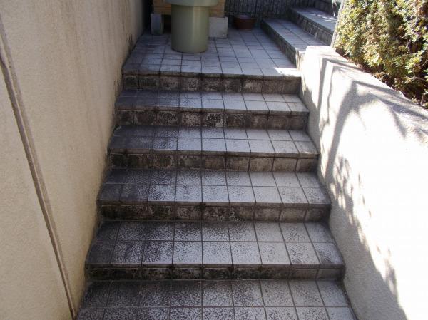夜の階段の登り下り危険