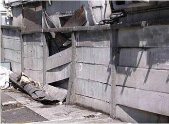 万年塀の改修工事
