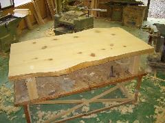 檜板テーブル