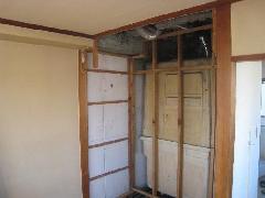 文京区のアパート内装リフォーム工事�A内装解体状況