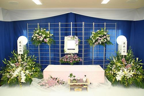 親族15人で思いのこもったお葬式(実例)