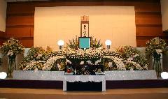 やすらぎ天空館で花祭壇にこだわった一般葬(実例)