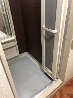 荒川区荒川、浴室内の壁、床上貼りリフォーム