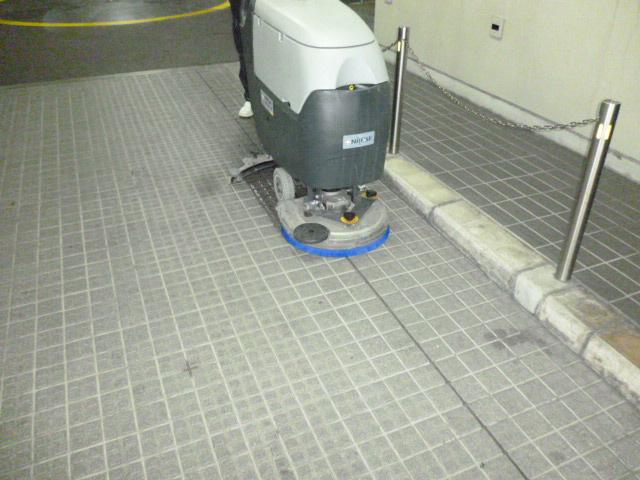 自動床洗浄機