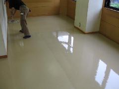 武蔵浦和近辺 定期清掃 床ワックスがけの病院のお客様