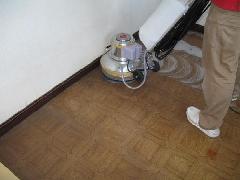 三郷市 オフィス床のクリーニング