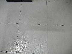 塩ビタイル 床ワックスがけ