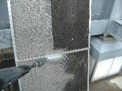 倉庫ビル 大型換気扇フィルター洗浄