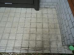 玄関タイル 水垢洗浄