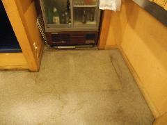 居酒屋 床の洗浄