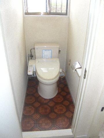 トイレ交換床張替え
