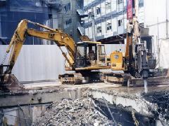 鉄筋コンクリート造地下1階解体