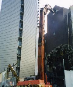 鉄筋コンクリート造地上6階建物超ロング重機解体