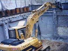 地下解体 壁倒し、残土埋め戻し