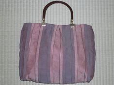 桃色と薄紫色の縦縞ツートンカラー