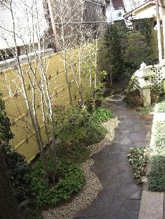 モダン和風庭園と本格日本庭園