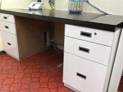 幅180cm 特注の事務机です。広々と使えます。