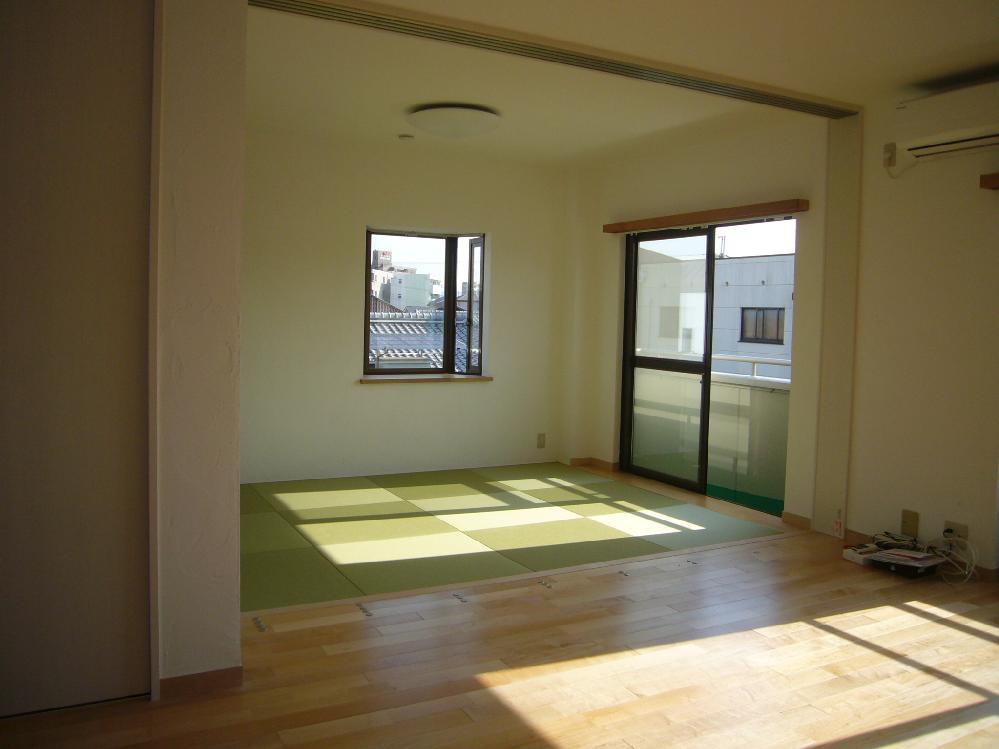 リビングと続きの和室 琉球畳